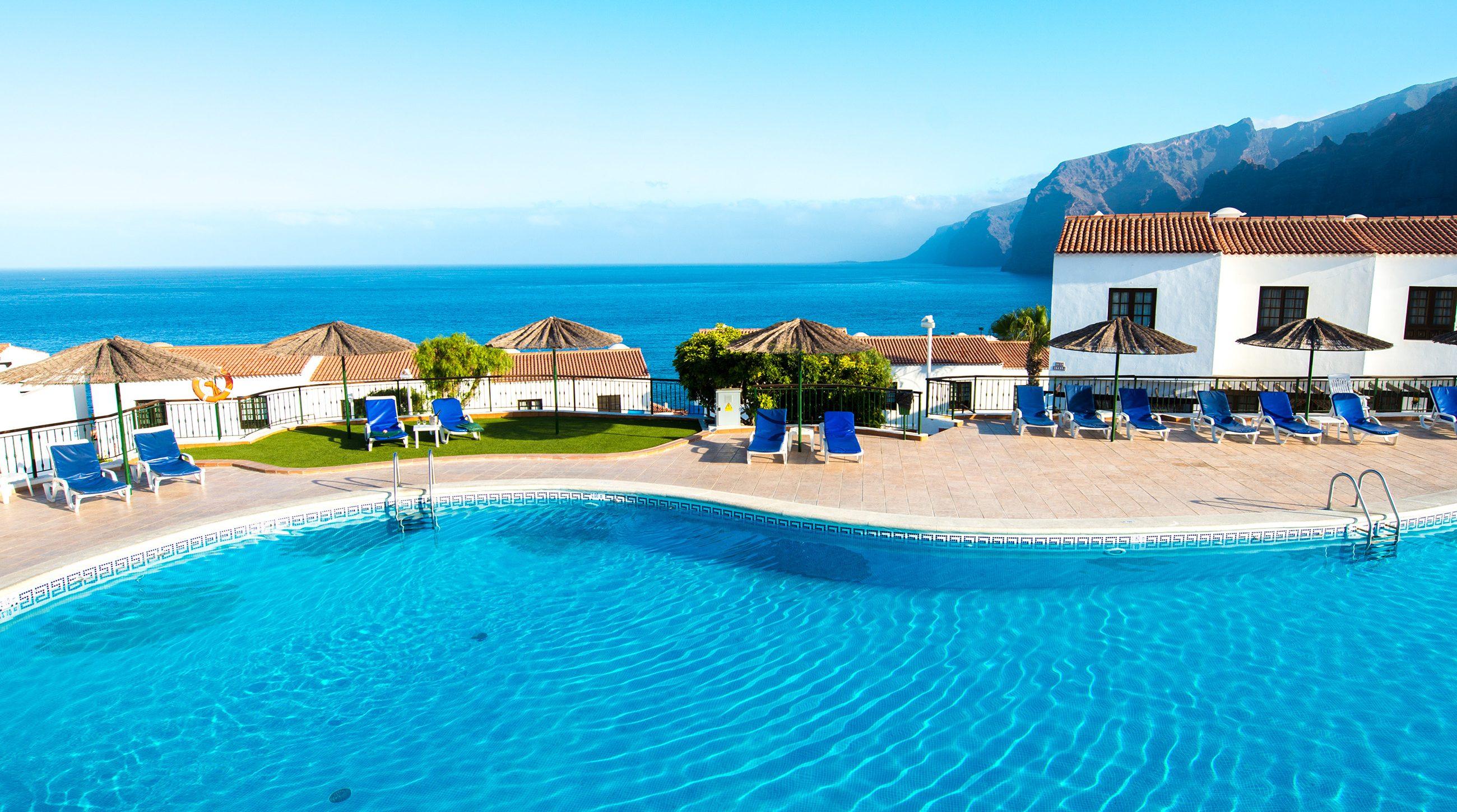 Las Rosas WimPen Swimming Pool 12