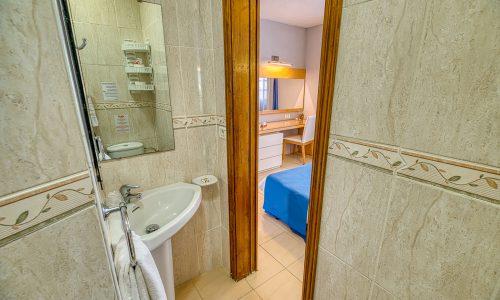 Hotel Rosas bath